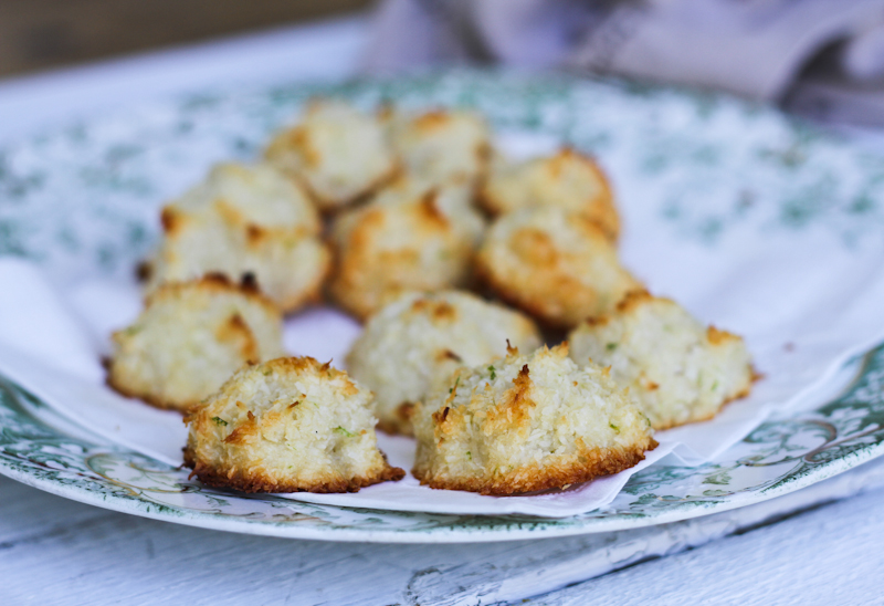 Comfy Belly: Coconut Lime Macaroons