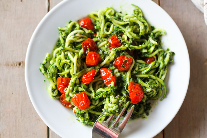 Zucchini Pesto Noodles - Comfy Belly